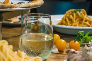 white wine1